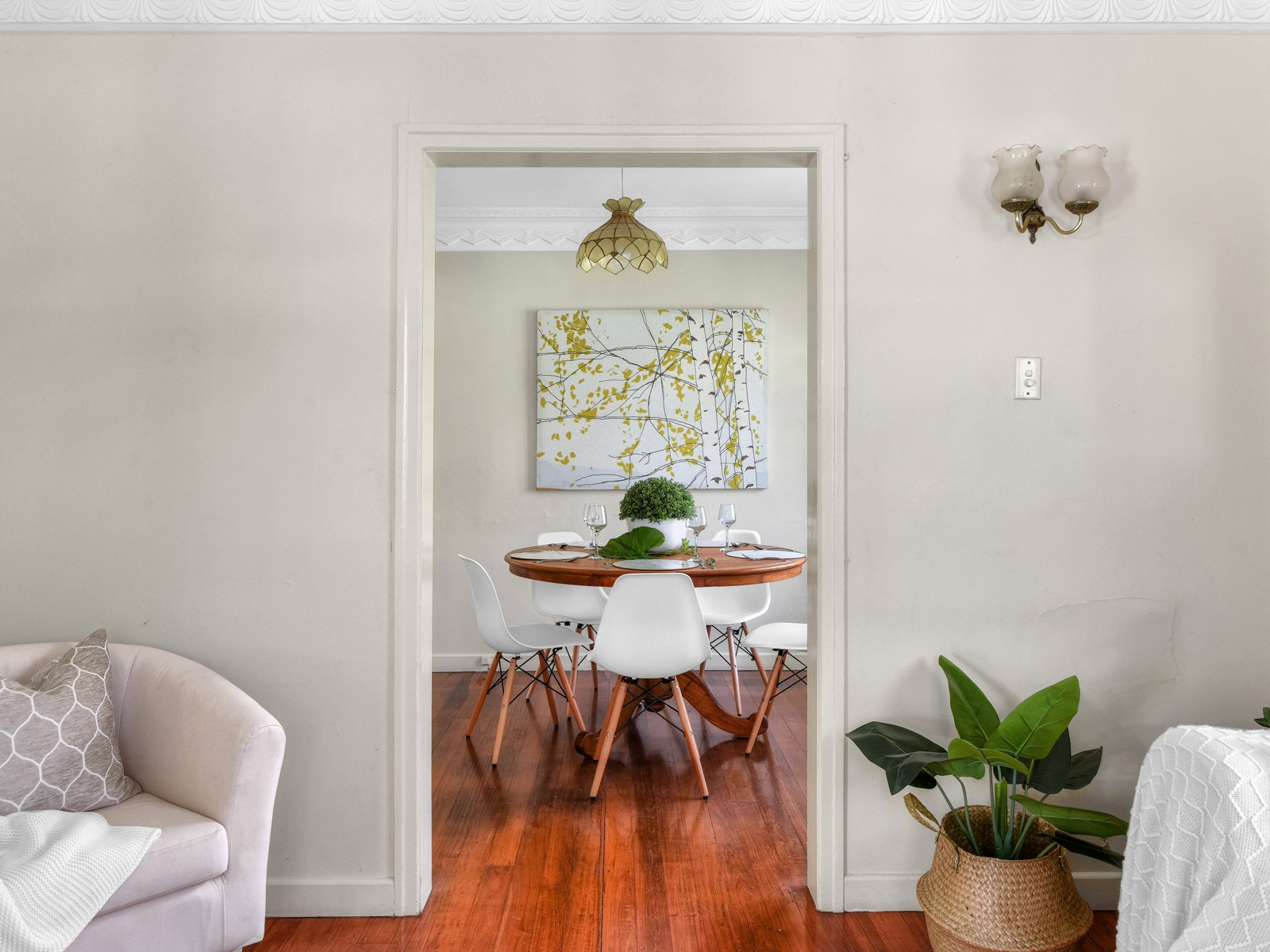 Indooroopilly Residence Property Styling