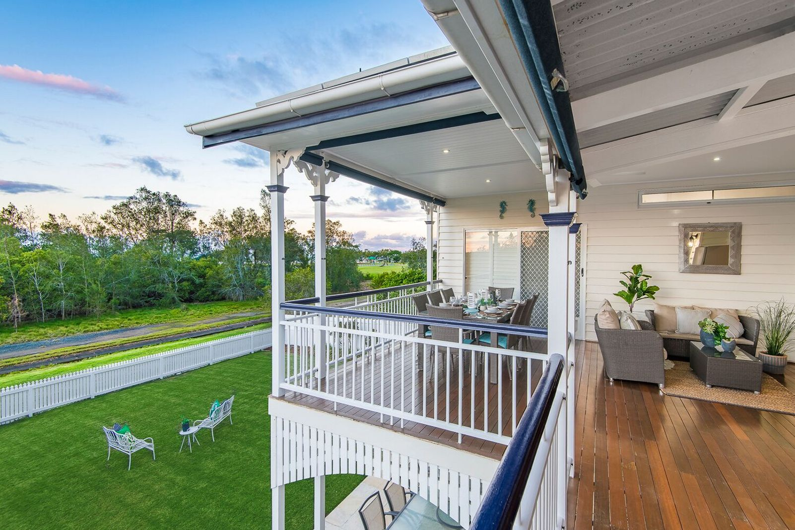 Nudgee Beach Residence Property Style