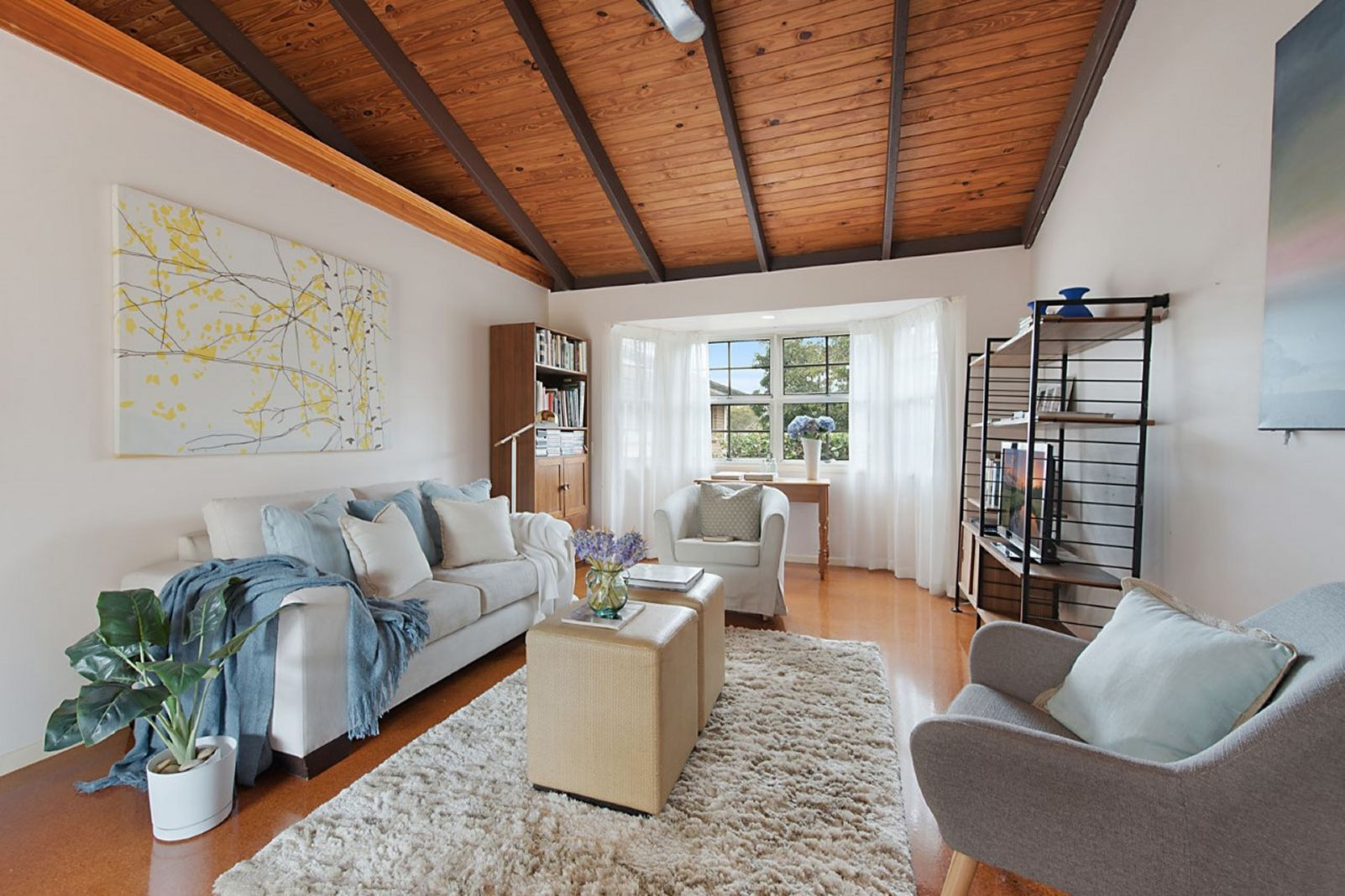 Kenmore Hills Home – Do you need Part Styling on a Shoestring?