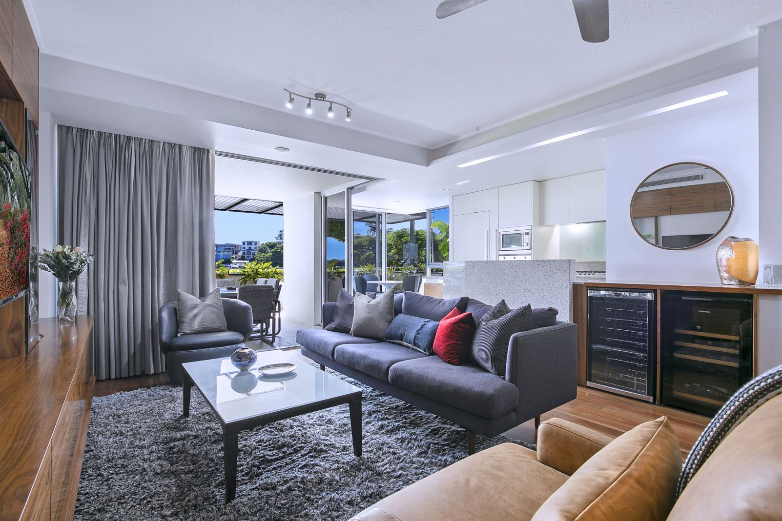 Riverfront Unit Style Newstead